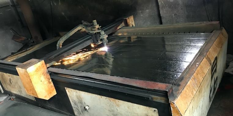 手工焊接是通风管道中比较普遍灵活的方式