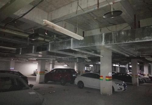地下车库白铁通风管道工程